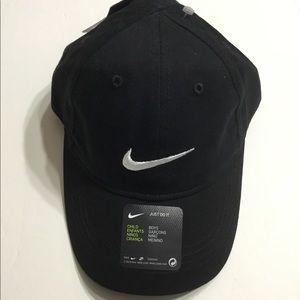 🆕 Nike Boy's Black Cap